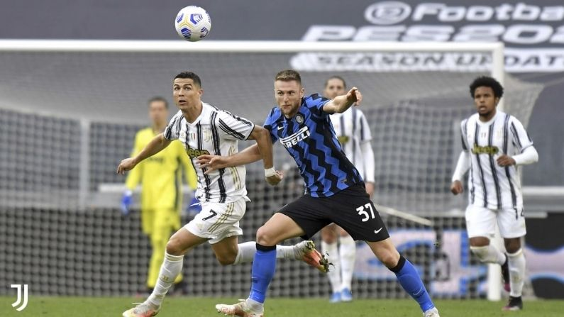 Ten man Juventus win against Inter Milan in Serie A and hopes alive for Champions League