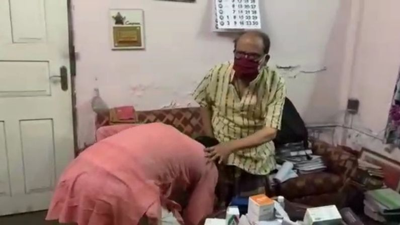 BJP MLA Shankar Ghosh Meets CPIM Leader Asok Bhattacharya In His Siliguri House