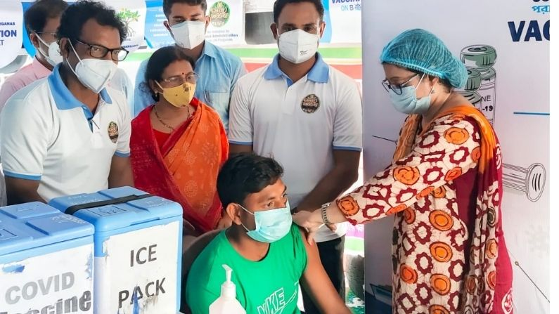 In Sundarban District Administration Started Vaccine On Boat Initiative